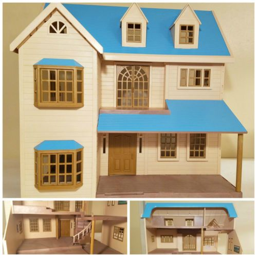 Calico Critters Sylvanian Families Deluxe House Manor Blue