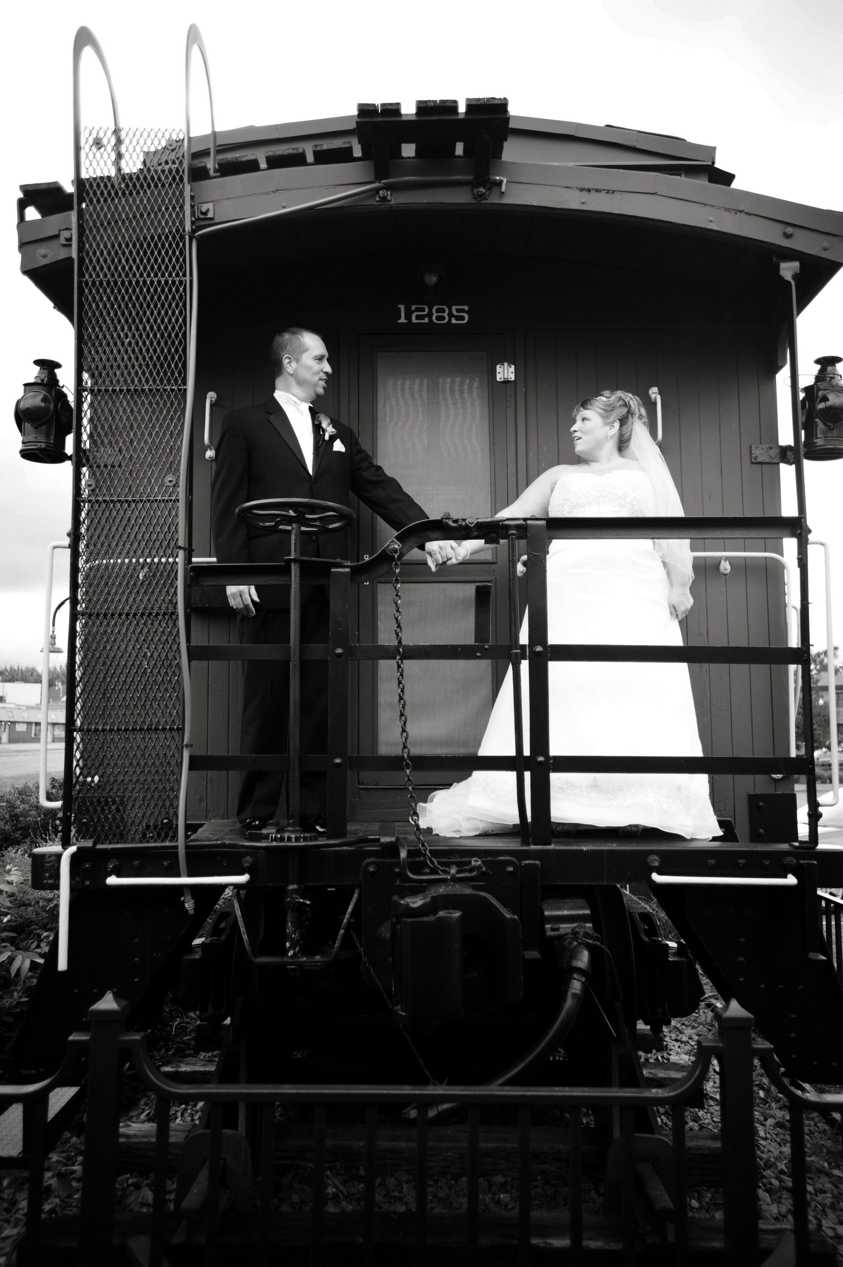 ahhh...the caboose) Wedding transportation, Vintage car