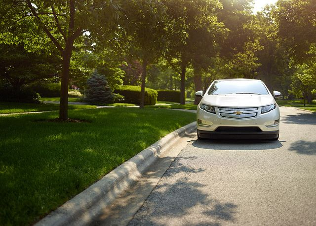 2014 Chevy Volt Receives Top Safety Pick Award Chevrolet Volt Chevy Volt Chevrolet