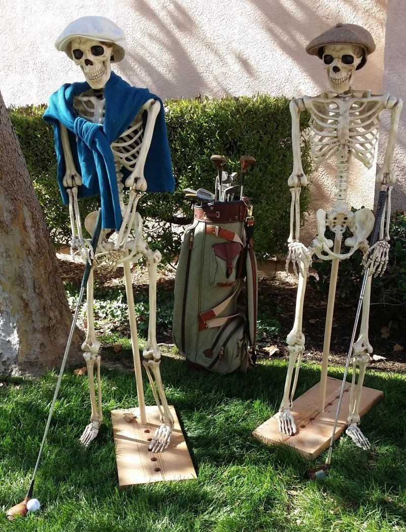 60 Skeleton Halloween Decoration Ideas For Outdoors Halloween Skeleton Decorations Funny Halloween Decorations Halloween Outdoor Decorations