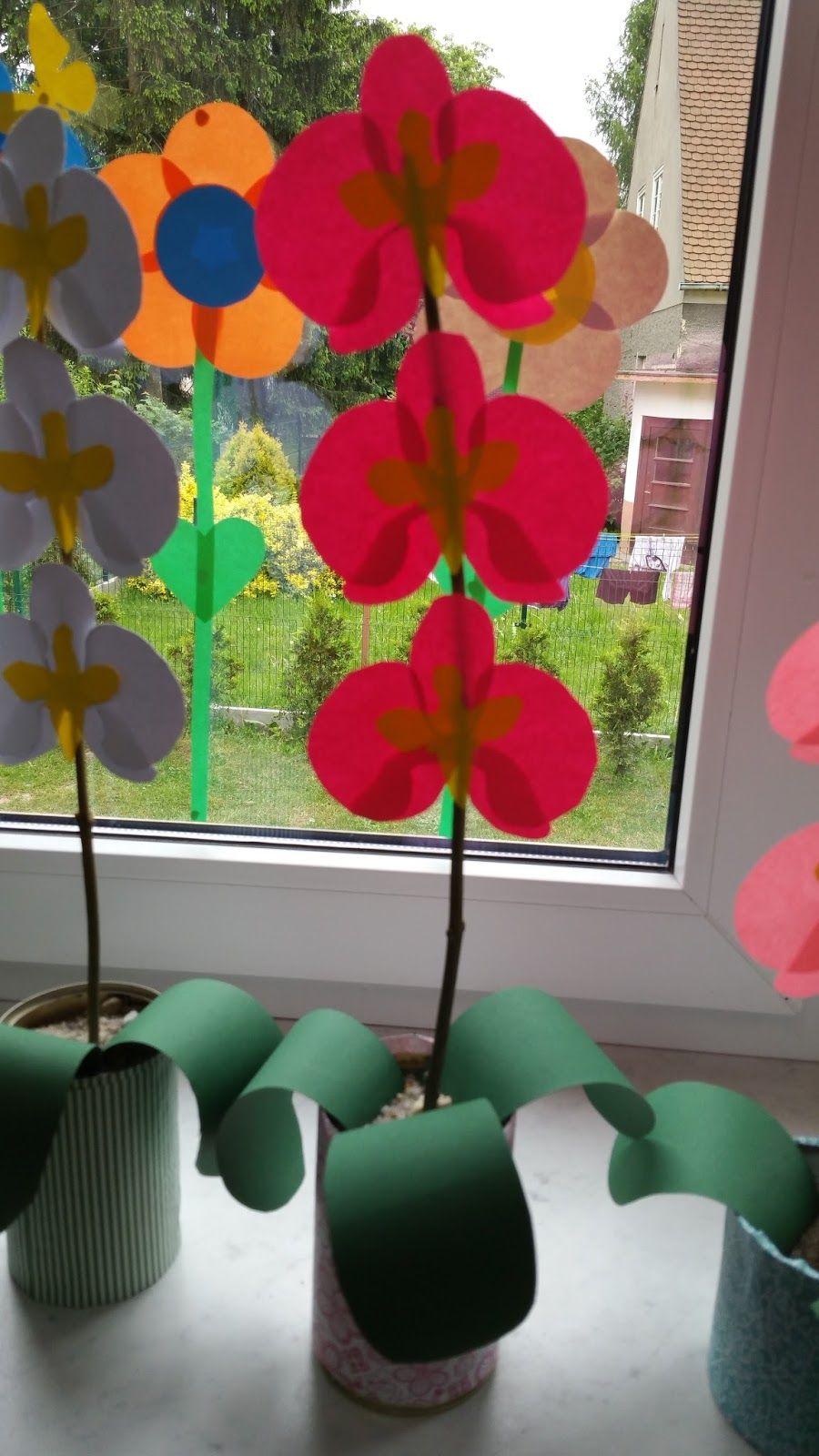 W Grupie Pomysly Na Prace Plastyczne Na Fb Znalazlam Bardzo Fajny Pomysl Na Prezenty Dla Mamy Te Piekne Party Paper Flowers Flower Crafts Diy Arts And Crafts