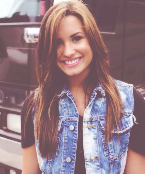 Demetria Lovato. Um dos mais belos sorrisos já visto :)