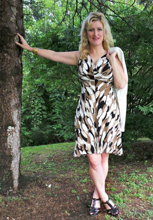 Karina Dresses Jenny  #Frockstar #Sponsored http://stillblondeafteralltheseyears.com/2014/09/triple-threat-1-dress-style-3-looks-karina-dresses-jenny/