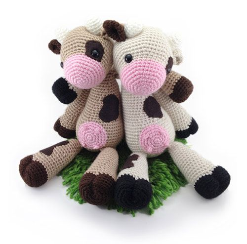 Lola The Cow Amigurumi Pattern By Auroragurumi Amigurumi Cow And