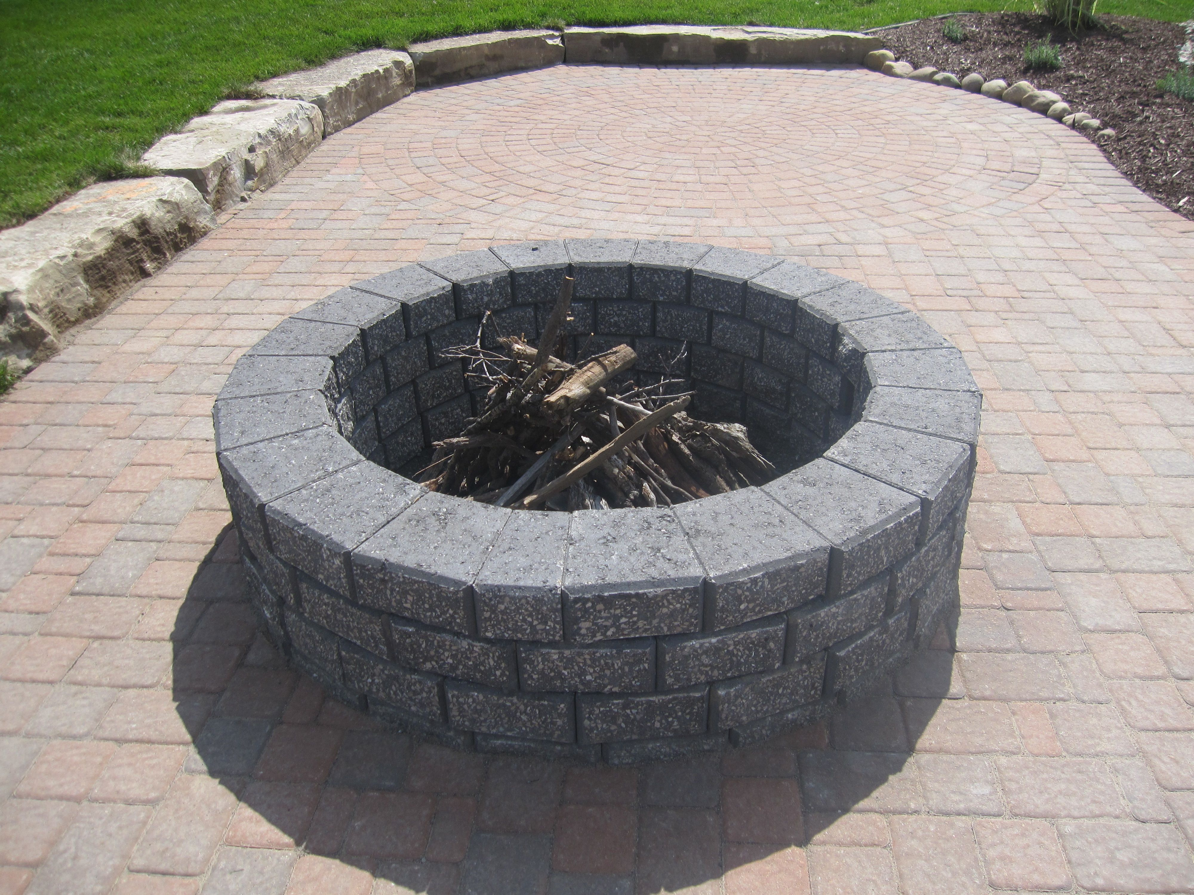 Split n stack charcoal color brick fire pit fire pits for What kind of bricks for fire pit
