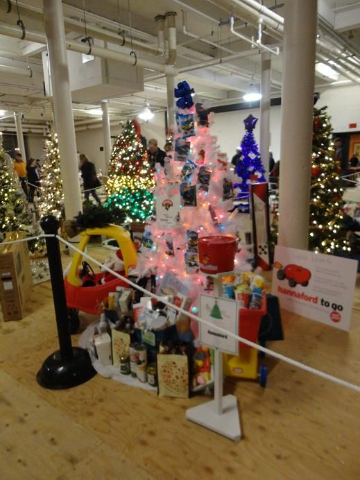hannaford toy and food decorated christmas tree raffle - Hannaford Christmas Hours