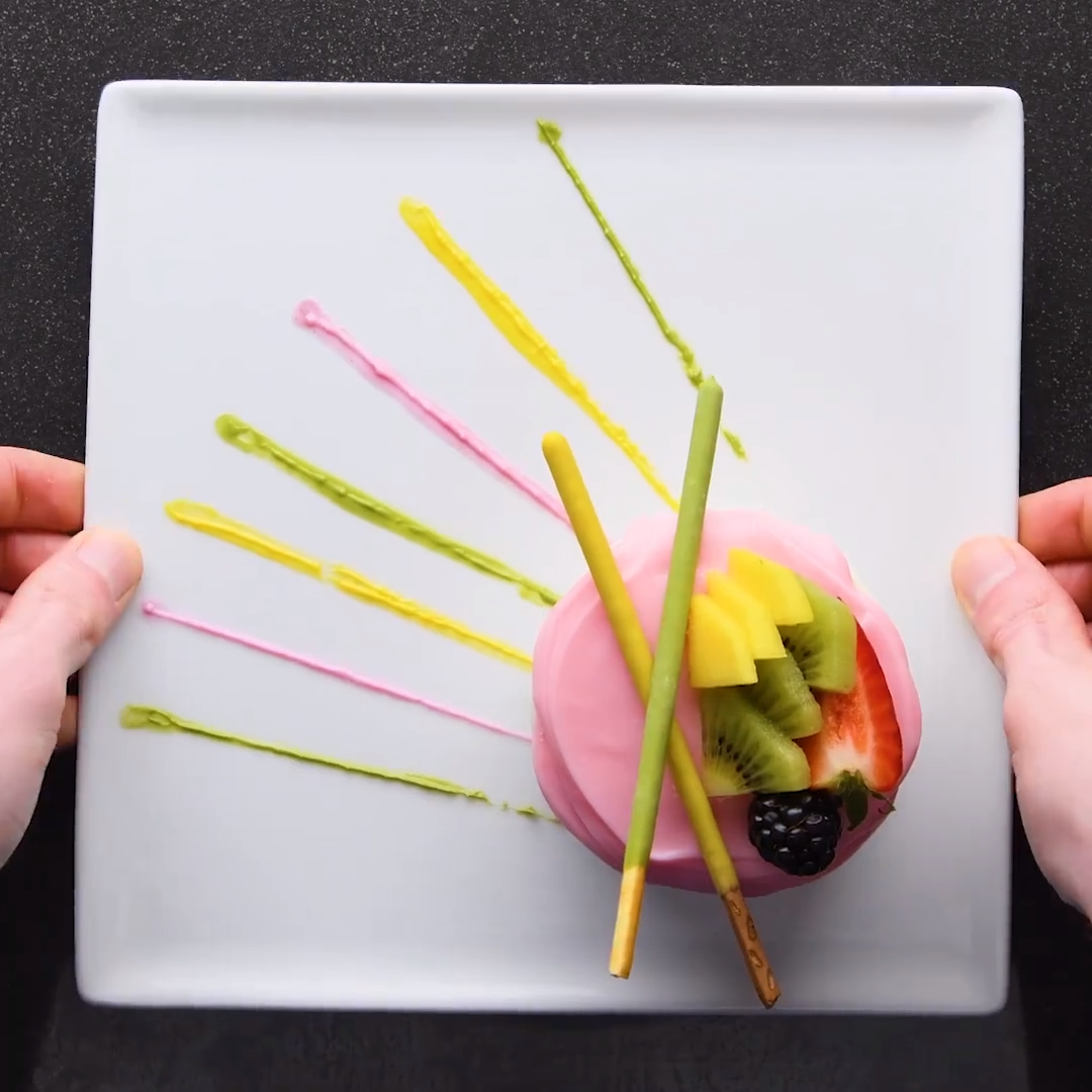 Candy comes in handy with these 13 fancy plating hacks!