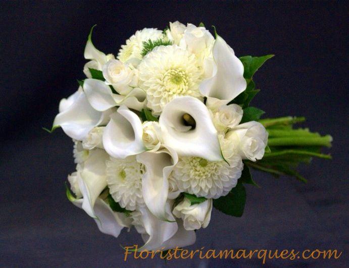 Ramo de novia de calas,dalias y rosas de floristeriamarques.com