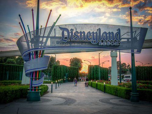Disneylandresort Entrance Disneyland Resort Disneyland Disney Disneyland