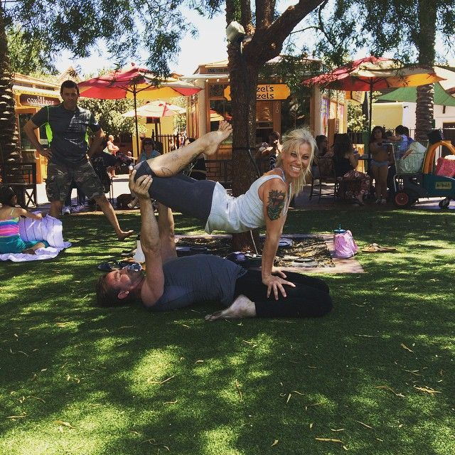 Love this Ashtanga teacher - Jen!! I love this freaking picture so much #playeverydamnday #vgyf