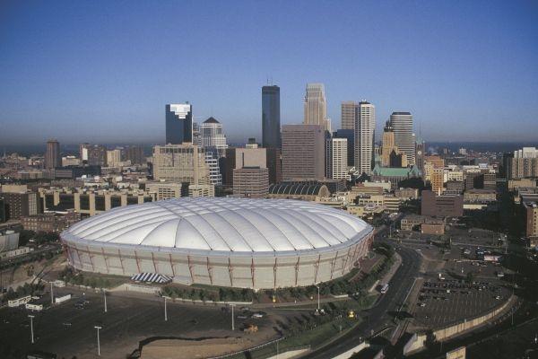 Football Catastrophe Watch The Metrodome Roof Collapse Time Com Minnesota Life Minnesota Travel Minnesota