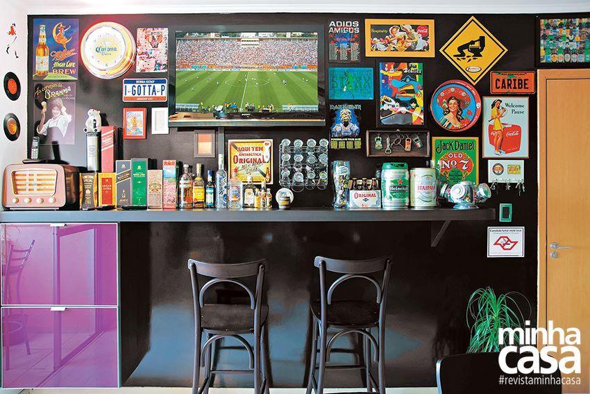 Acreditem essa é a sala de casa, transformaram em um bar pra receber os amigos