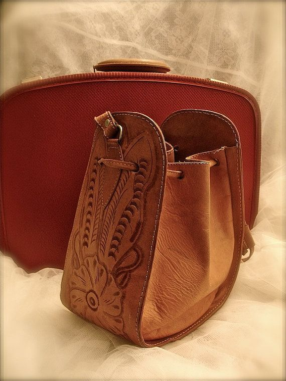 Vintage tooled leather handbag, embossed floral design leather bag, embossed leather bag, horsehoe shaped bag, cowboy bag, western bag