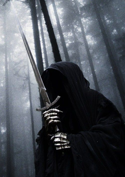 """Looking at this and listening to """"The Revelation of the Ringwraiths""""... Enough to send chills down your spine."""