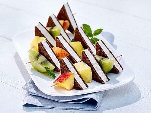 Photo of Fruchtspieße mit Milch-Schnitte® von Milch-Schnitte | Chefkoch