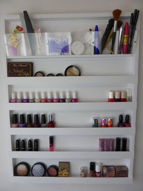 Hermosa pared rack organizador su maquillaje, sus esmaltes de uñas o ...