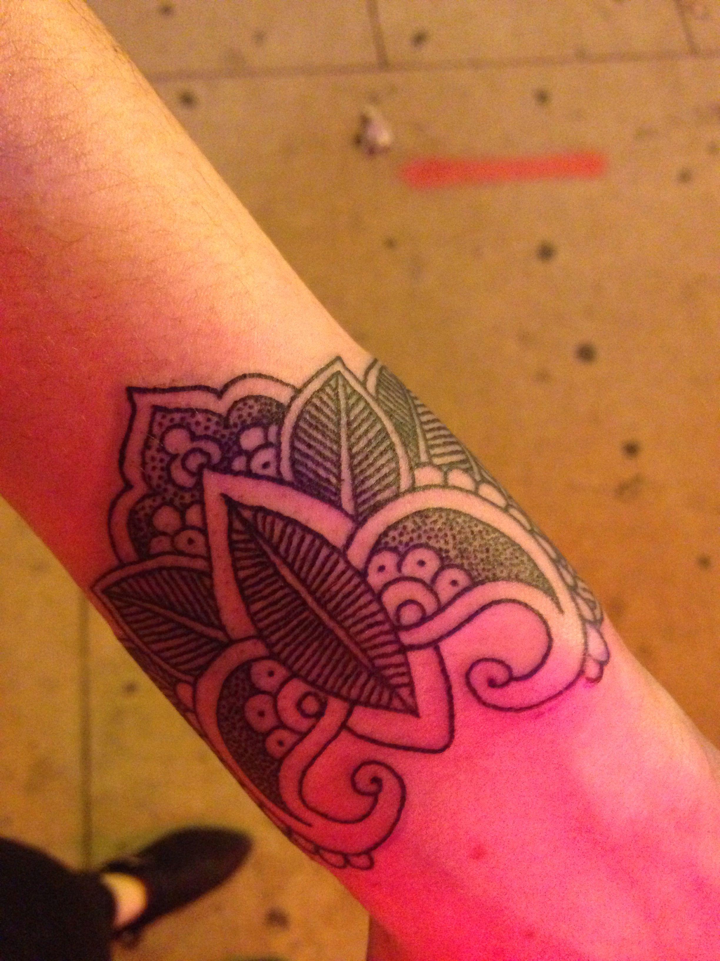 Henna Tattoo Chicago Near Me: Wrist Tattoo By Adam Scaccia At Tatu Tattoo In Chicago