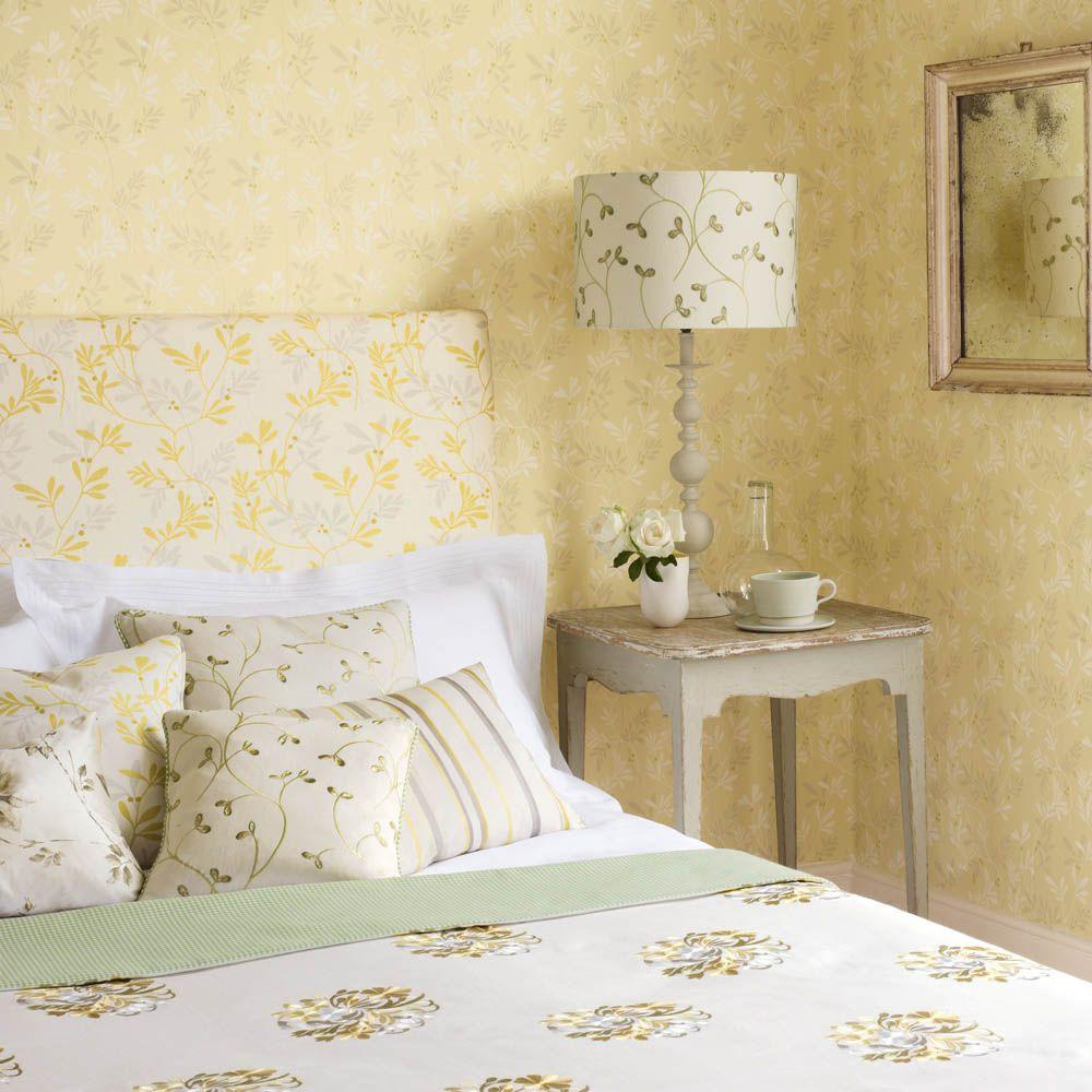 Jane Churchill\'s Vita (wallpaper), Vita (headboard), Gaudi Linen ...