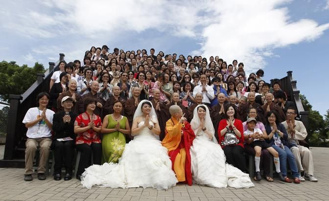the 1st lesbian Buddhist marriage