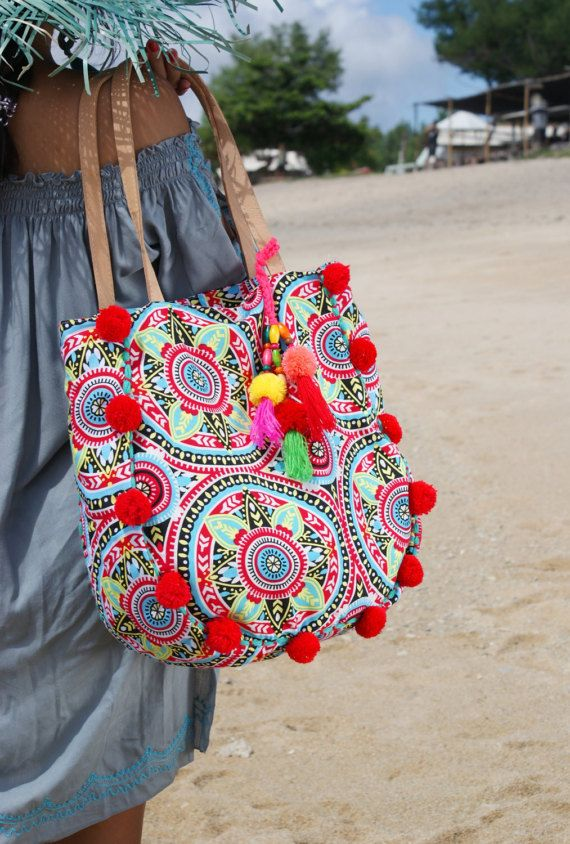 Pompom beach bag/Trendy pompom bag/Yoga bag/Gym bag/Diapers bag ...