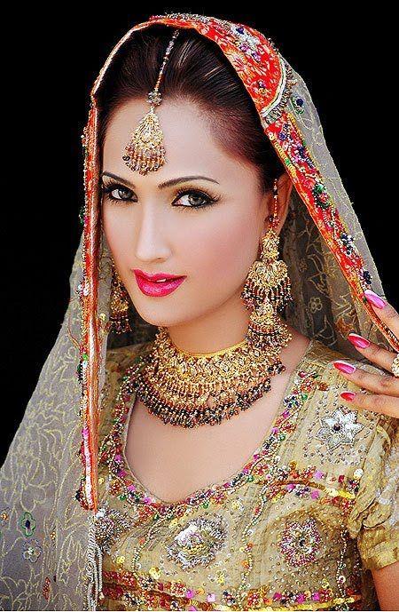 description-asian-beautiful-brides-wedding