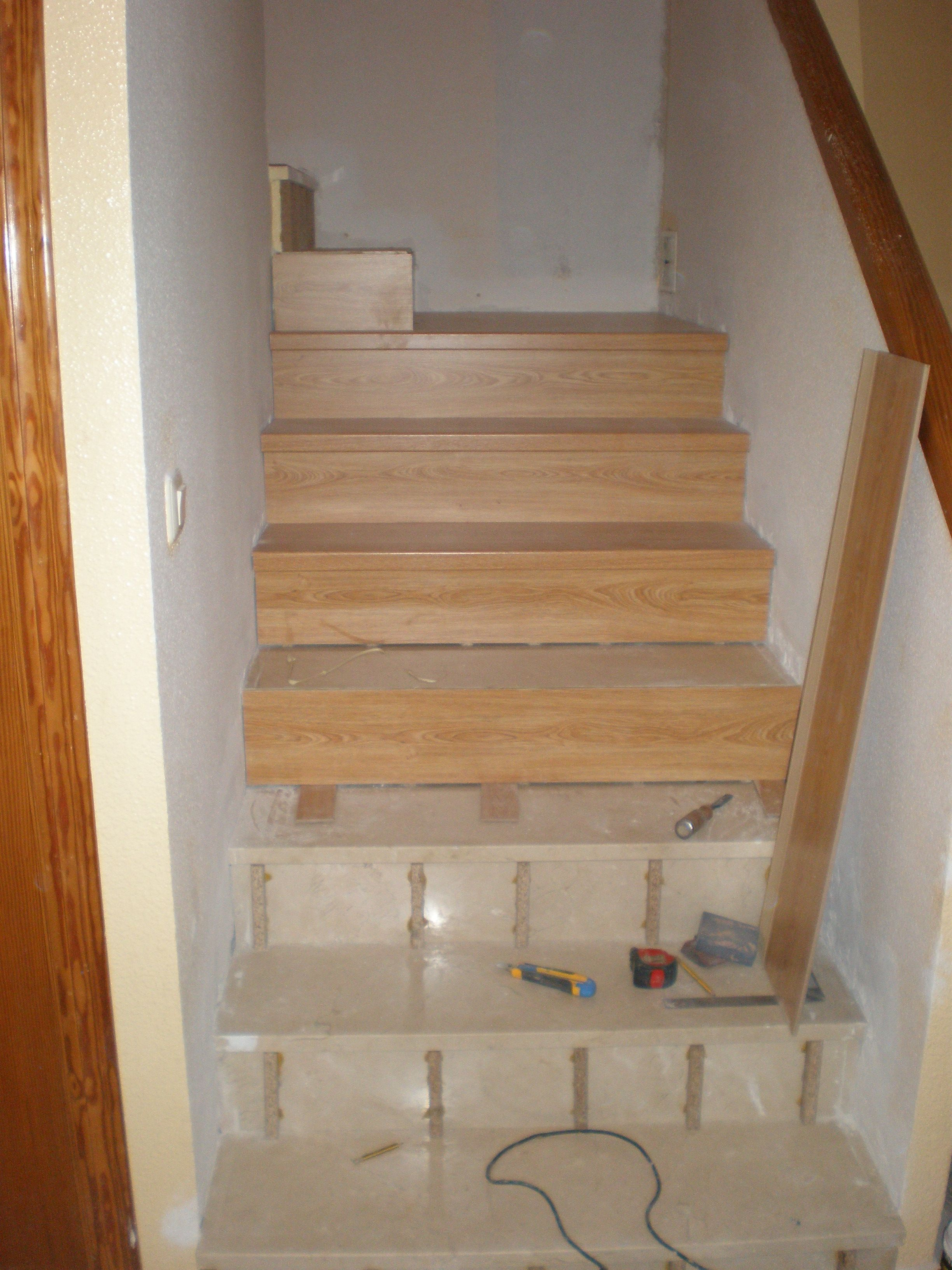 Forrado de #escaleras y redistribución de planta superior en chalet de Haygon. (Proceso).