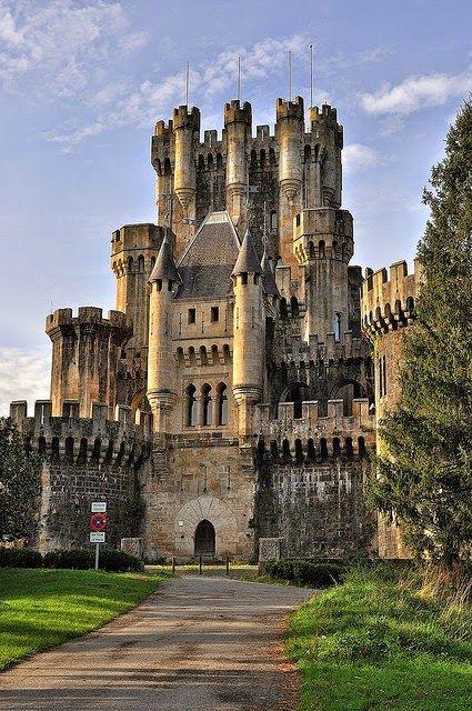 Castillo de Butron, Vizcaya. Spain