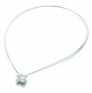 simple nacklace with pearl by German jewelry designer EVA STREPP