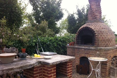 Jamie Oliver S Garden Kitchen In 2019 Outdoor Oven