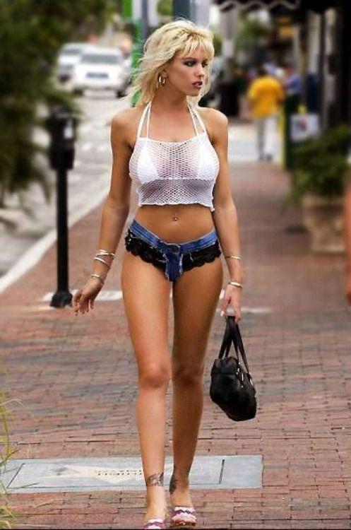 Hot sexy bikini girls