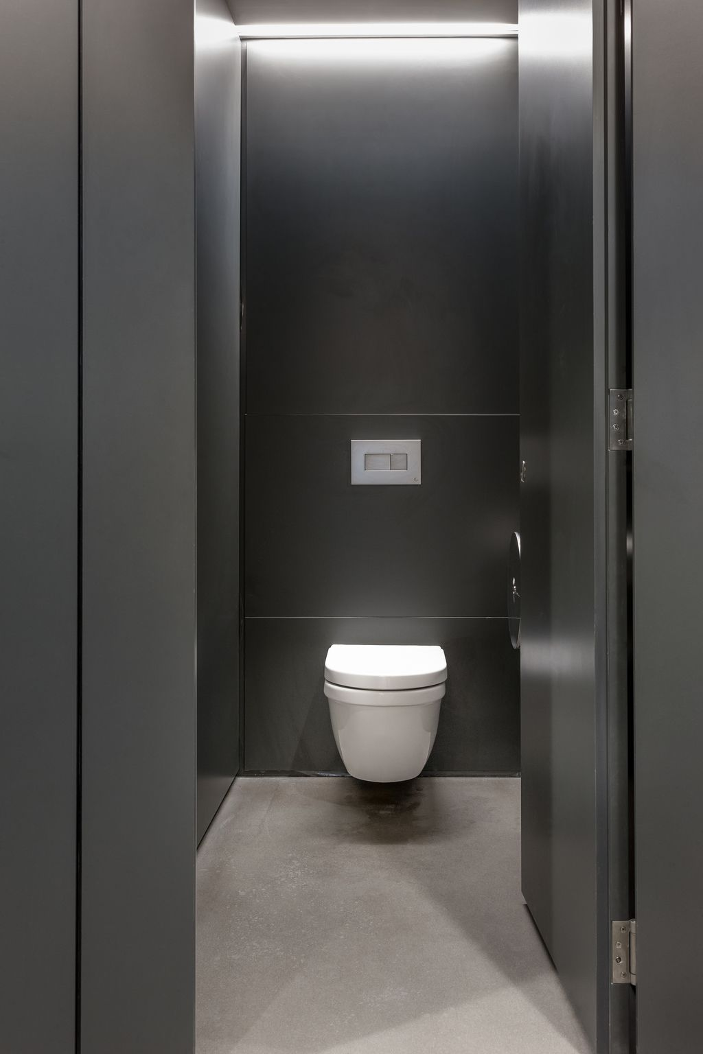 grant westfield façade flush executive washroom cubicle