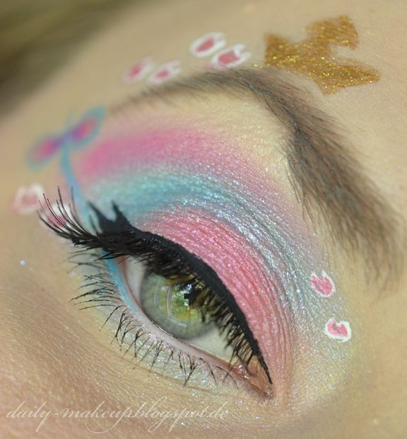 baby blue and pink makeup