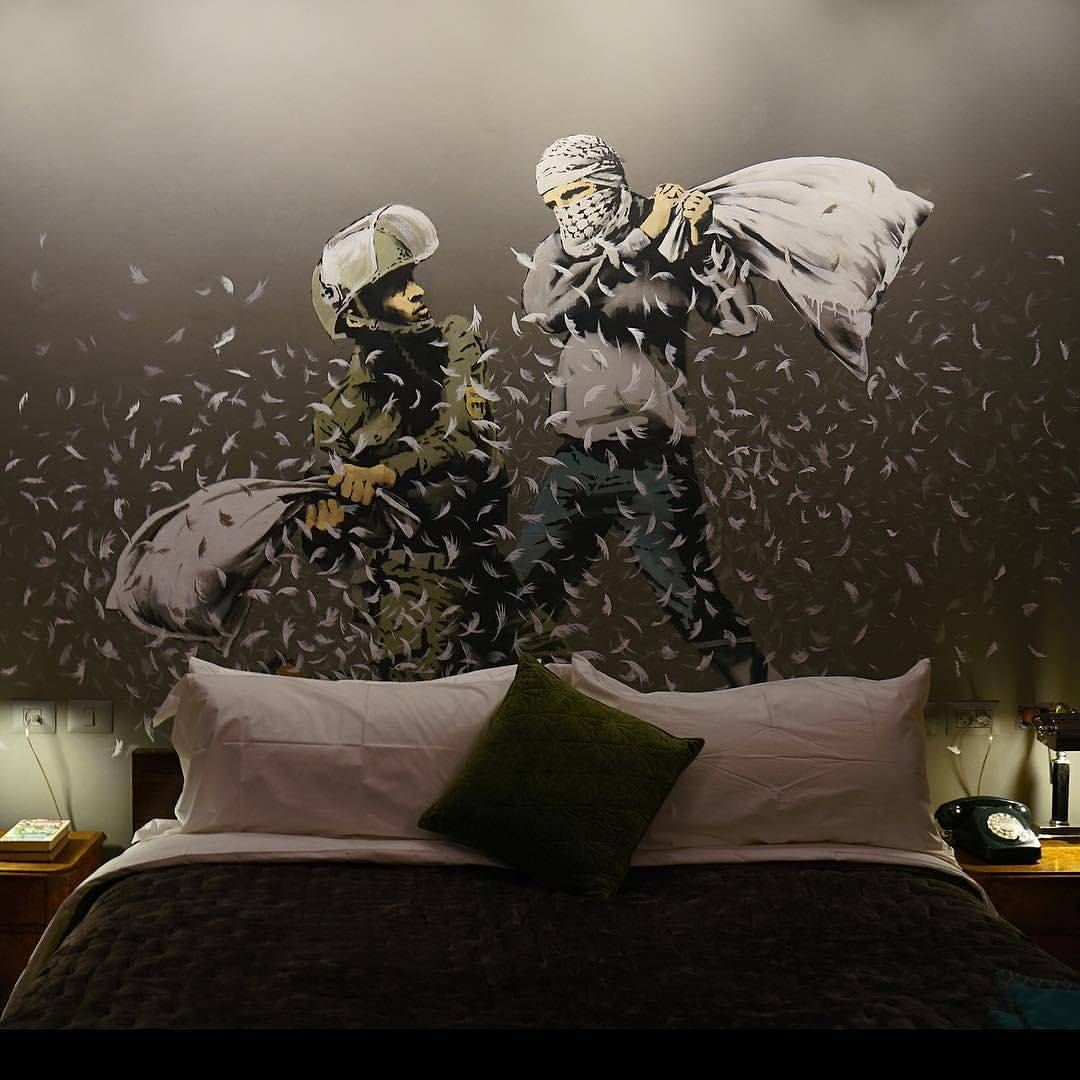 """Gefällt 5,843 Mal, 41 Kommentare - HYPEBEAST (@hypebeast) auf Instagram: """"@Banksy is opening a politically charged hotel in Bethlehem with new artwork in hopes of furthering…"""""""
