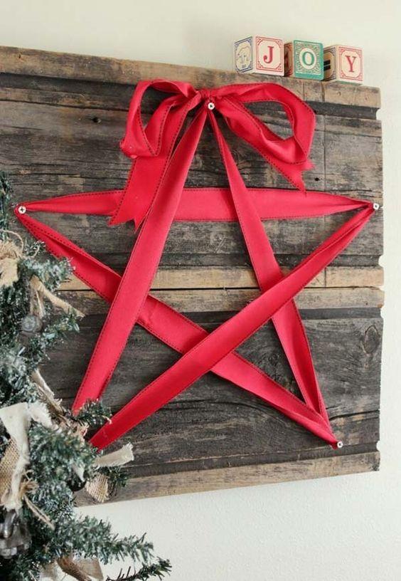 35 Creative Reclaimed Wood Christmas Decoration Ideas Christmas - wood christmas decorations