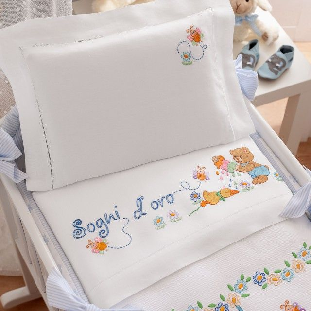 Lenzuolino culla disegno ricamo lenzuolino neonato for Disegni punto croce per lenzuolini neonati