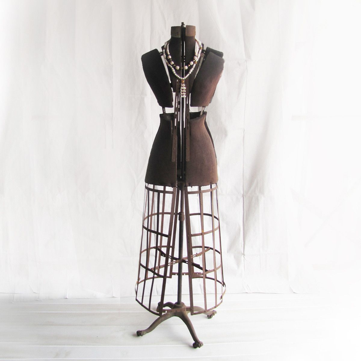 I liked this design on fab 1900s dress form vintage