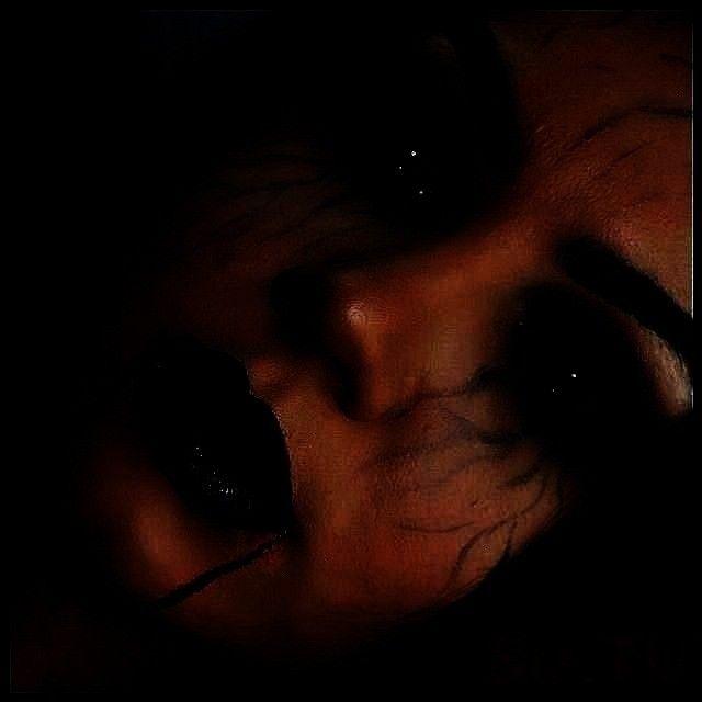 venas, pero tr ..., ... Y ahora soy un vampiro que tiene demasiado en mis venas, pero tr ..., ... -