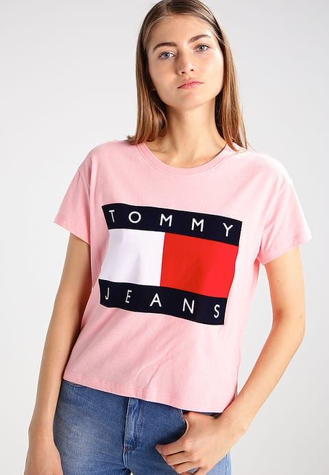 Vêtements Hilfiger Denim TOMMY JEANS 90S - T-shirt imprimé - rose rose   49,90 € chez Zalando (au 15 05 17). Livraison et retours gratuits et  service client ... 5b0525b61644
