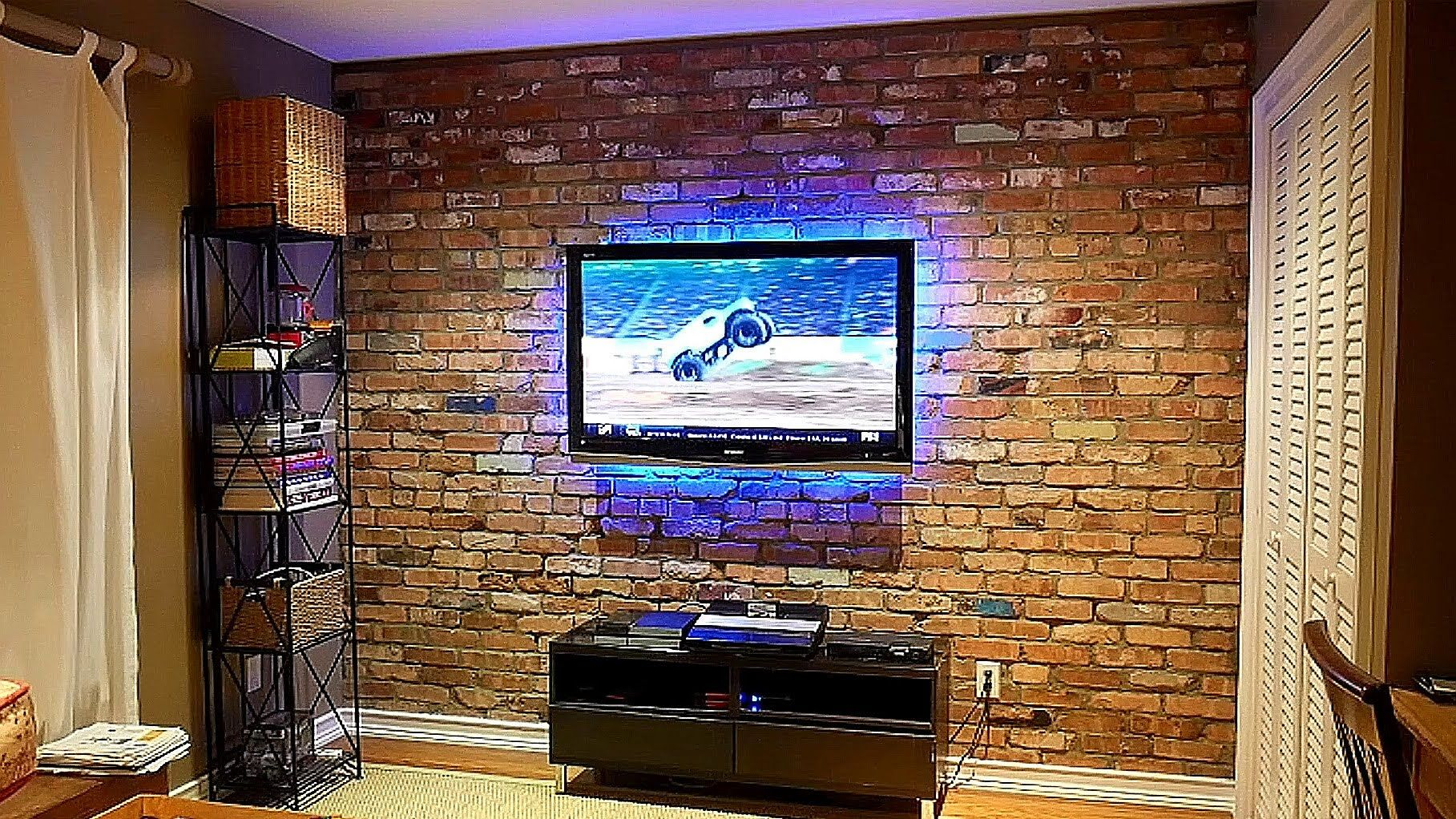 How I Built An Exposed Brick Veneer On An Interior Wall In My House Https Youtu Be L3fwccrdubs Brick Veneer Brick Veneer Wall Exposed Brick