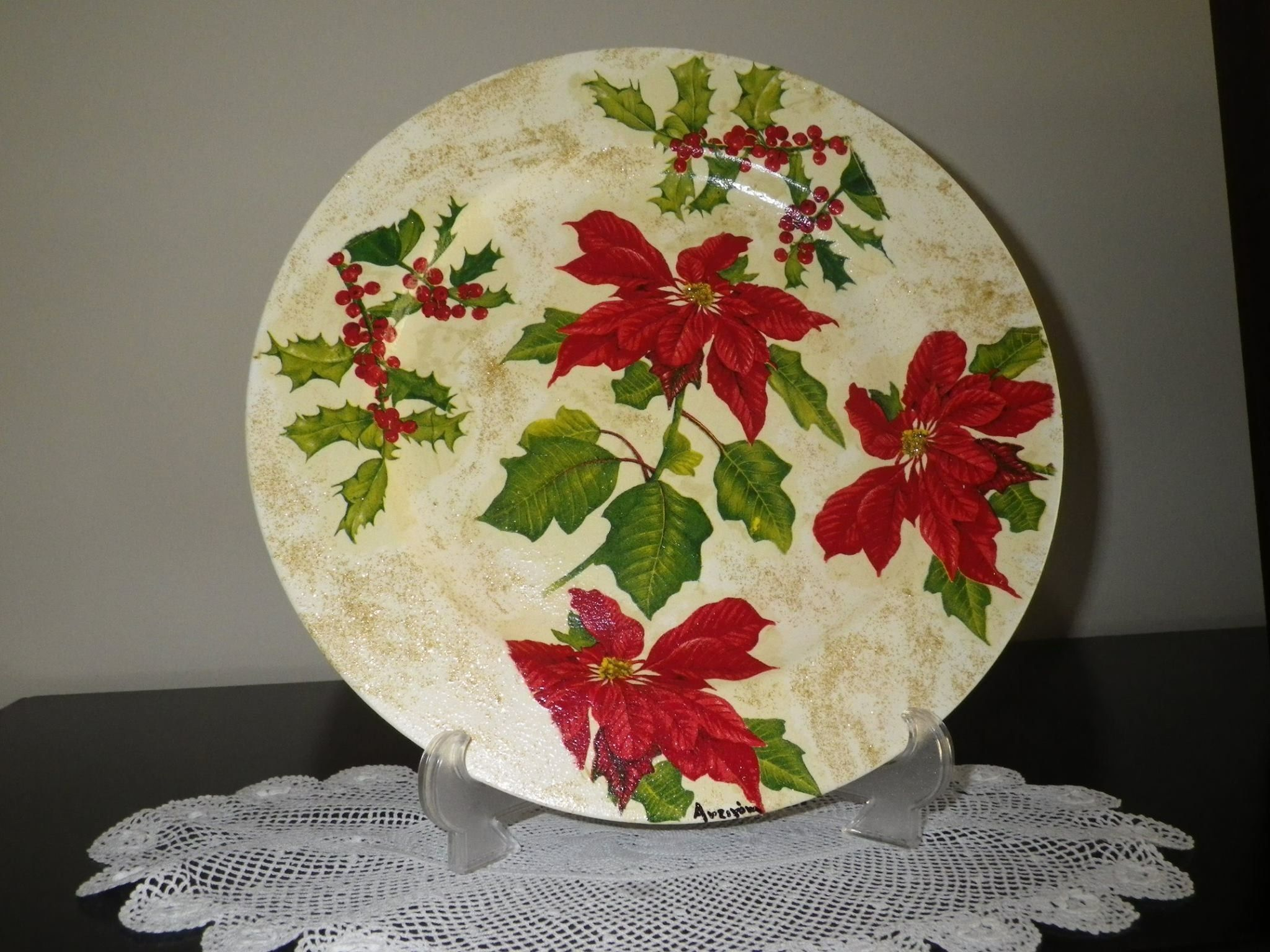 Christmas plate with decoupage