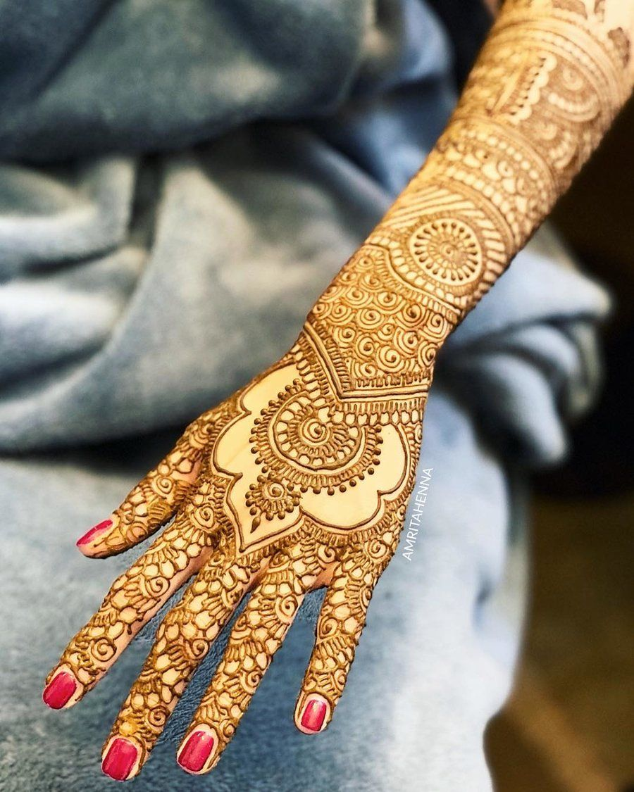 back hand mehndi full design
