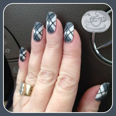 Pointless Cafe 13 Days Of January Nail Art Challenge Monochromatic