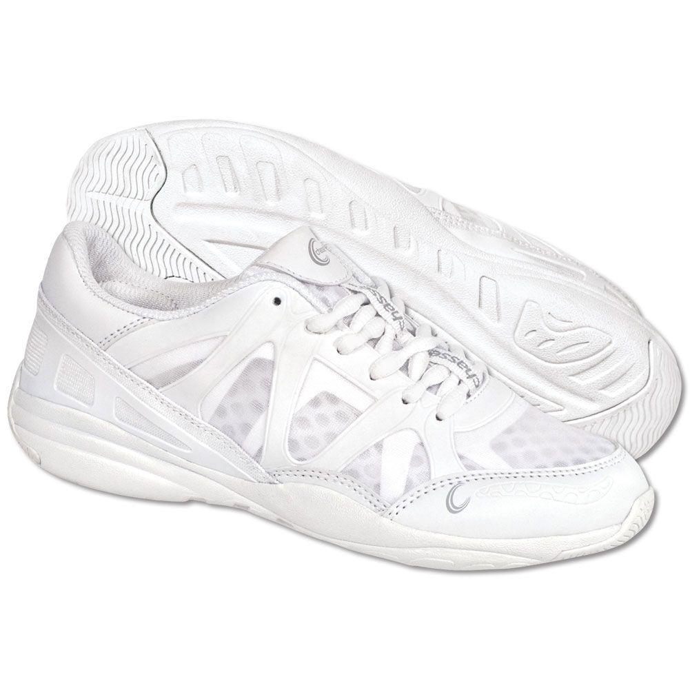 Cheerleading shoes