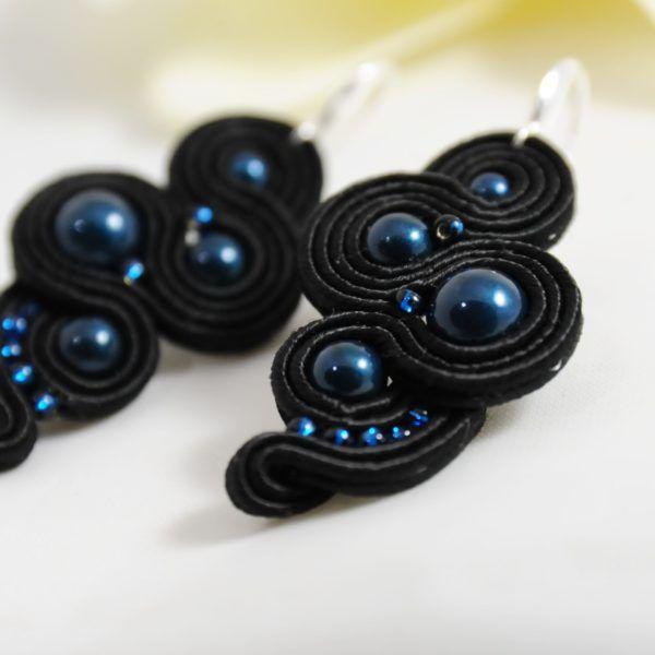 bf3340fcc423 pendientes-rosa-negra-azules2-de-irene-garcia-designer