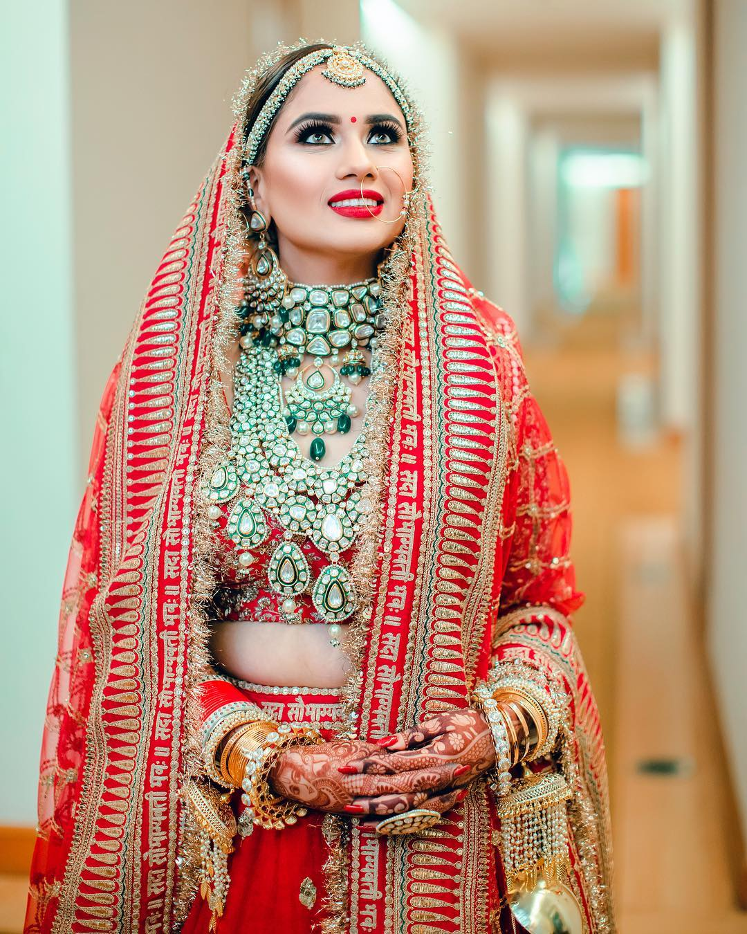 This Real Bride Recreated Deepika Padukone S Bridal Look And How Sabyasachi Bridal Bridal Lehenga Red Indian Bridal
