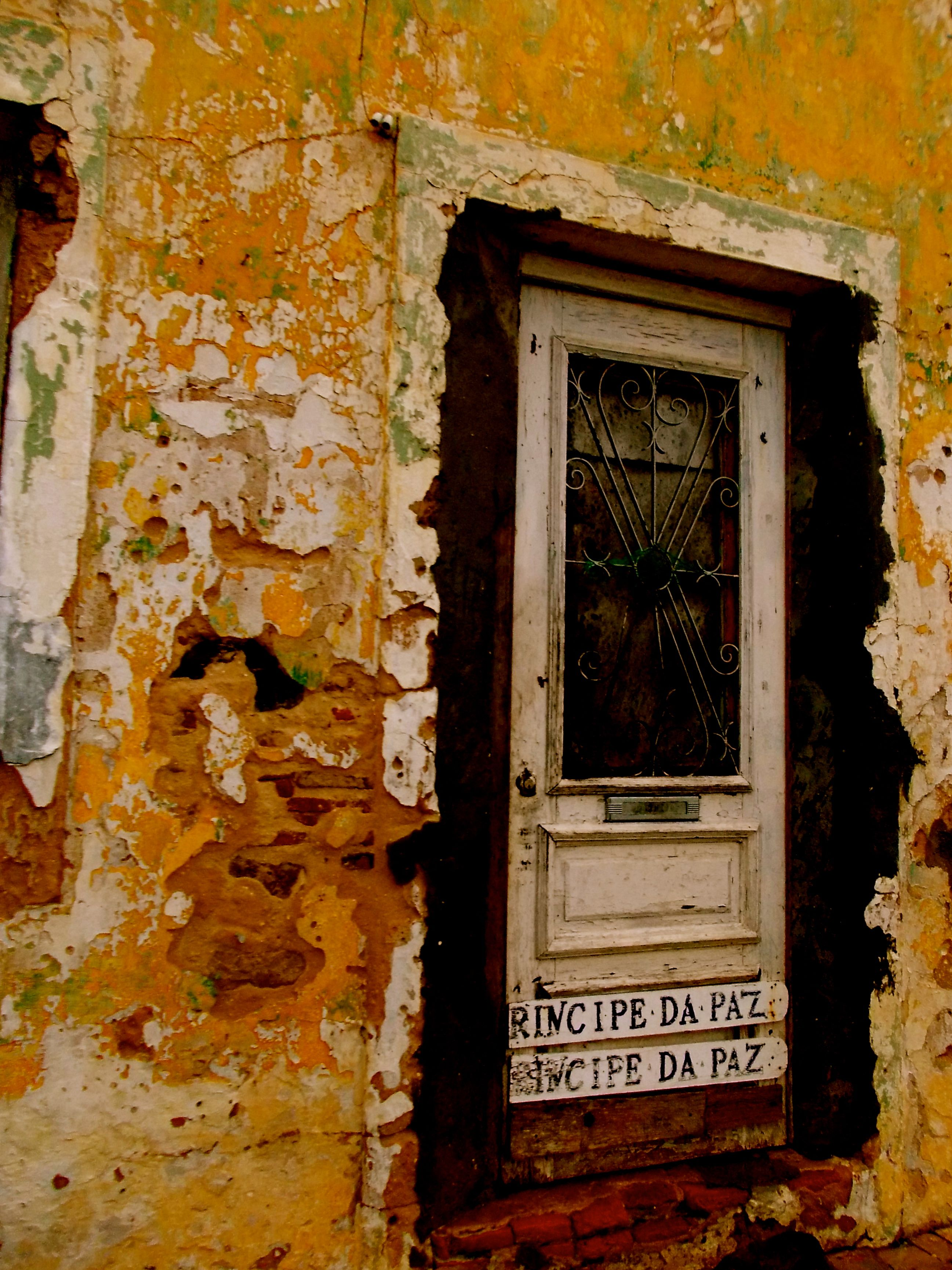 OLD BUILDING. PORTUGAL.