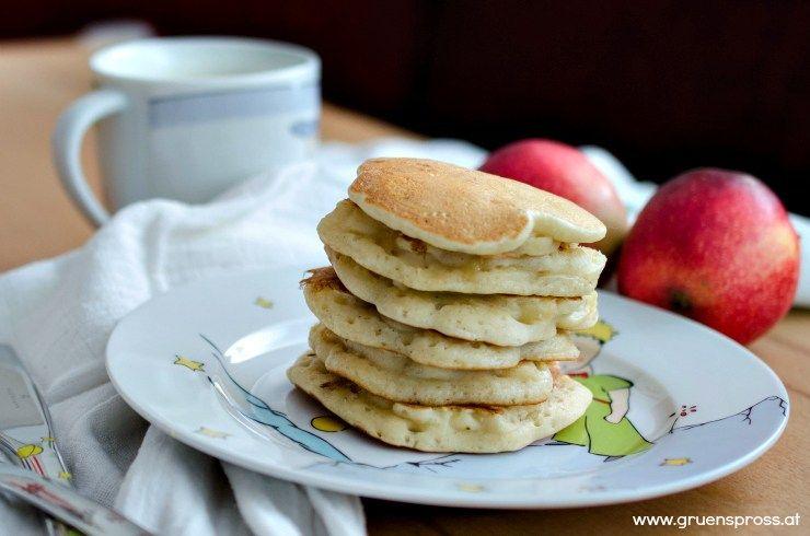 apfel pancakes rezept kohlenhydratfreie gerichte pinterest essen pfannkuchen und vegan. Black Bedroom Furniture Sets. Home Design Ideas