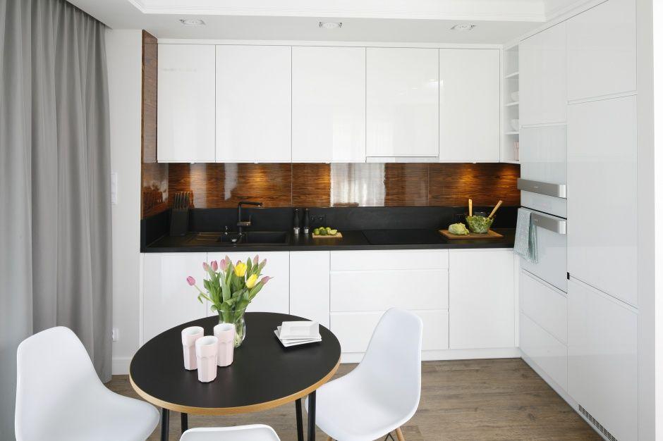 Biala Kuchnia Ocieplona Drewnem 20 Ladnych Zdjec Home Decor Interior Design Interior