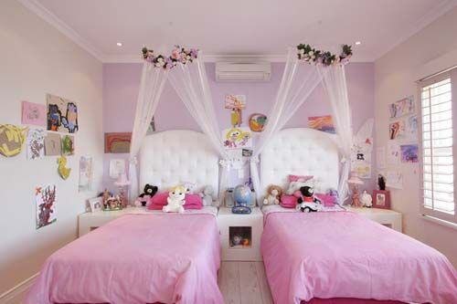 Pink twin-beds