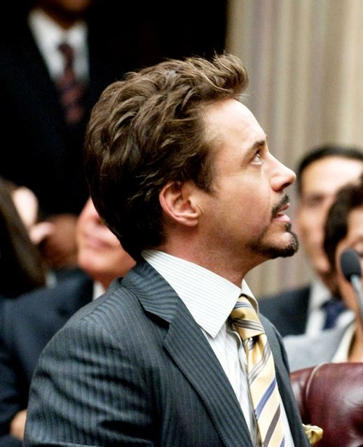 Robert Downey Jrs Short Medium Flipped Up Hairstyle From Iron